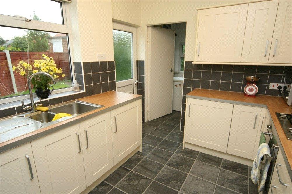 3 Bedrooms House Share for sale in Byland Avenue, Huntington, York, YO31