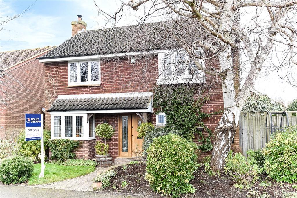 4 Bedrooms Detached House for sale in Oakley, Aylesbury