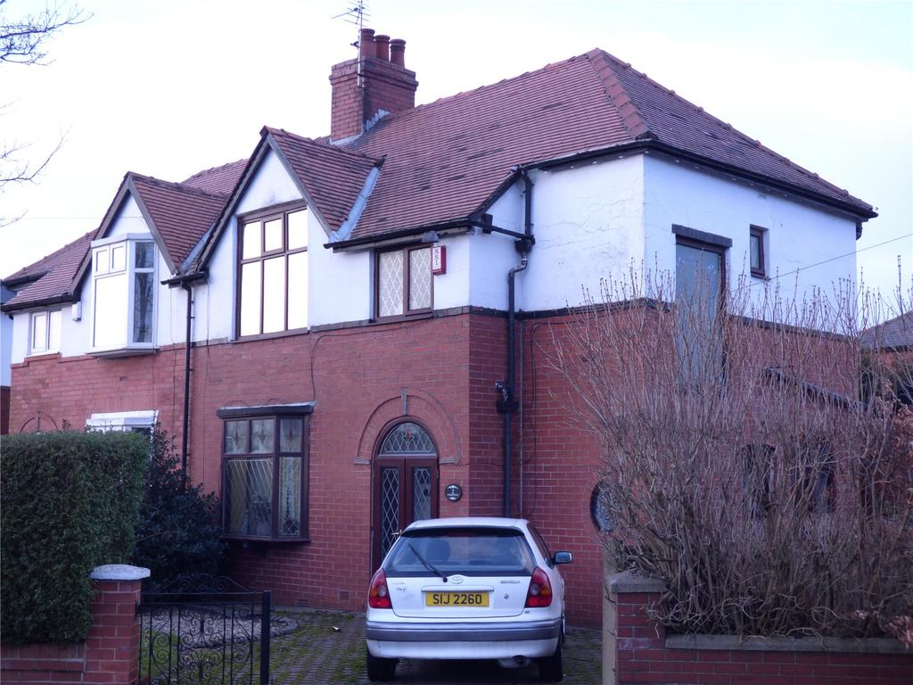3 Bedrooms Semi Detached House for sale in Parkfield, Chadderton, Oldham, Greater Manchester, OL9