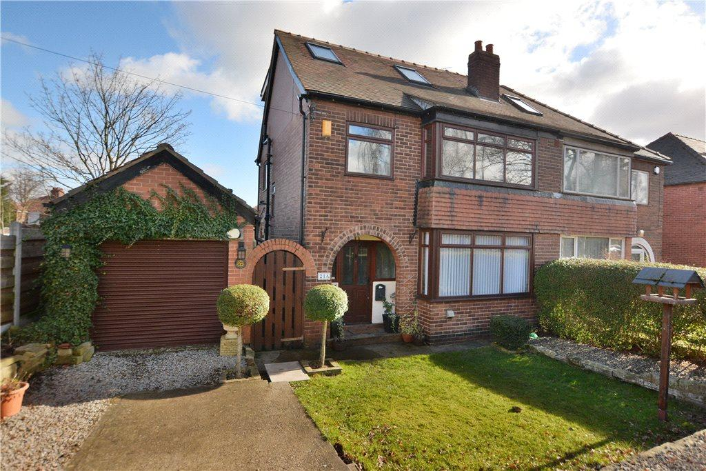 4 Bedrooms Semi Detached House for sale in Fearnville Grove, Leeds