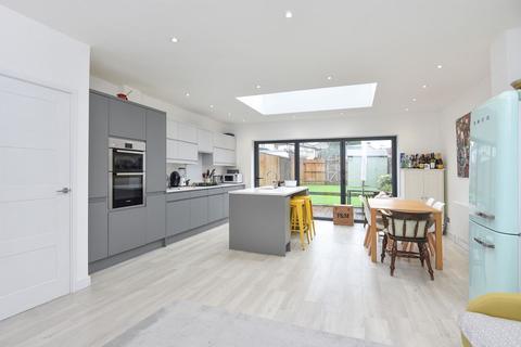 3 bedroom terraced house for sale - Westhurst Drive, Chislehurst, Kent, BR7 6HT