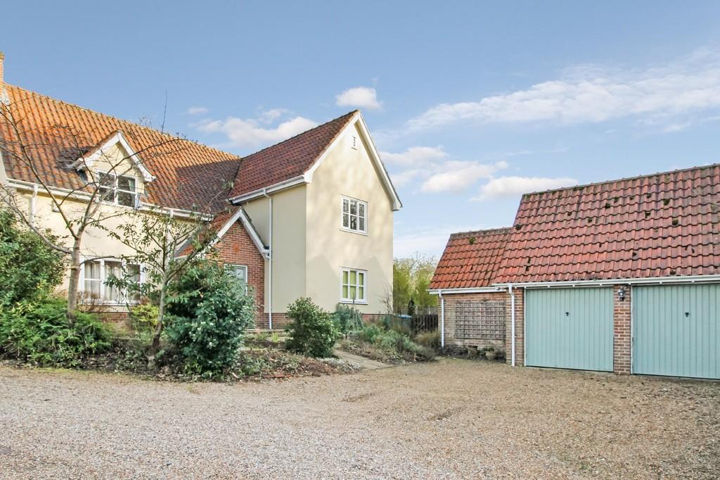 4 Bedrooms Detached House for sale in Badingham, Nr Framlingham, Suffolk