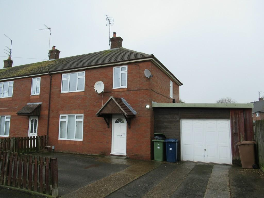 3 Bedrooms End Of Terrace House for sale in Trinity Road, Wisbech