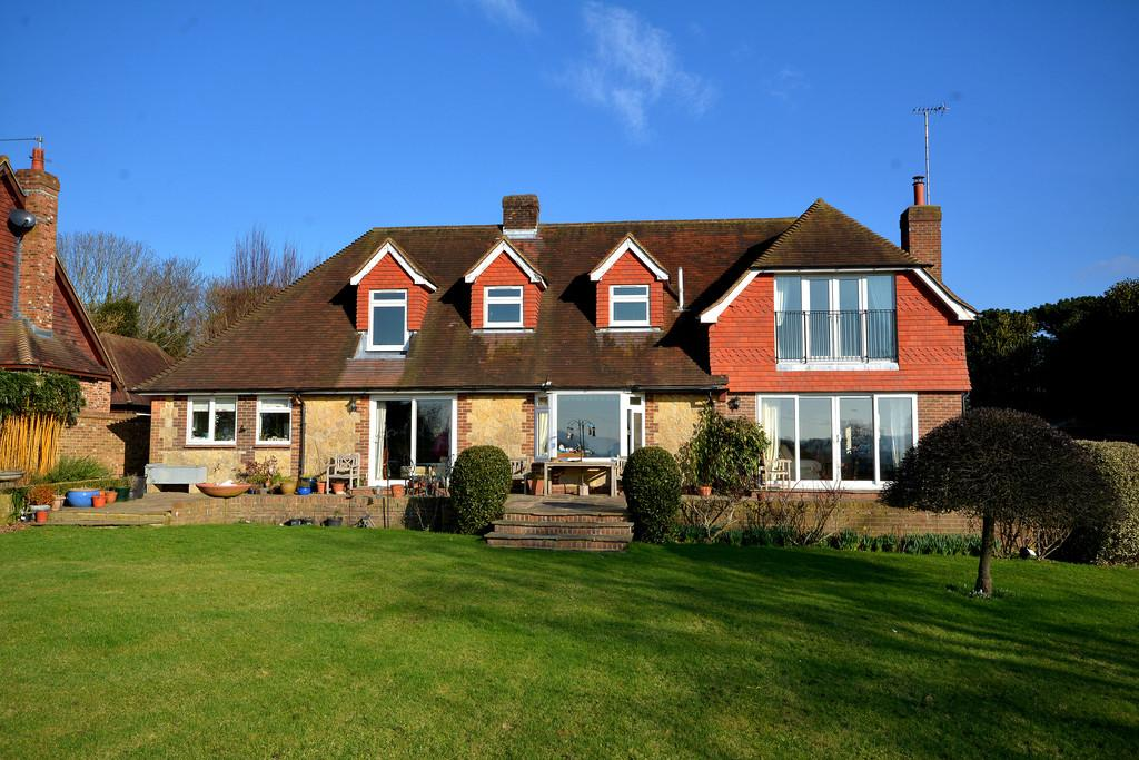 4 Bedrooms Detached House for sale in Thakeham