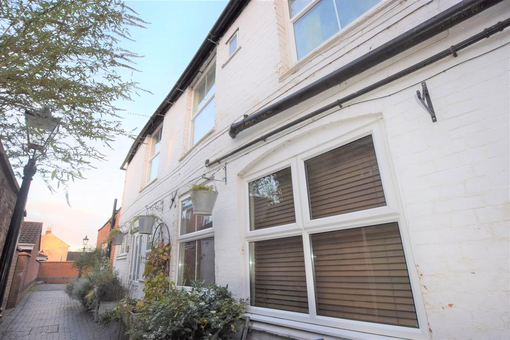3 Bedrooms Mews House for sale in Brew House Cottage, 106 Castle Street