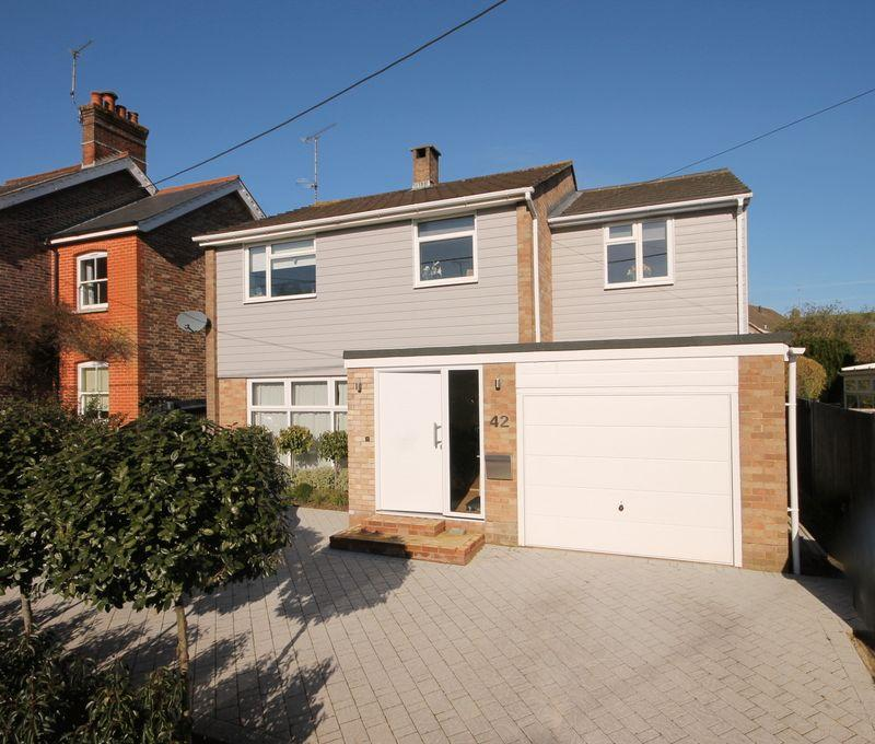 4 Bedrooms Detached House for sale in Sunte Avenue, Lindfield, West Sussex