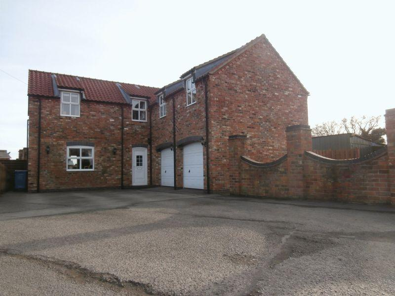 4 Bedrooms Barn Conversion Character Property for sale in Hull Road, Skirlaugh