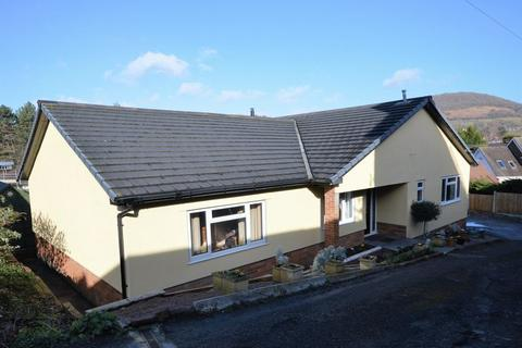 4 bedroom bungalow for sale - Union Road West, Abergavenny