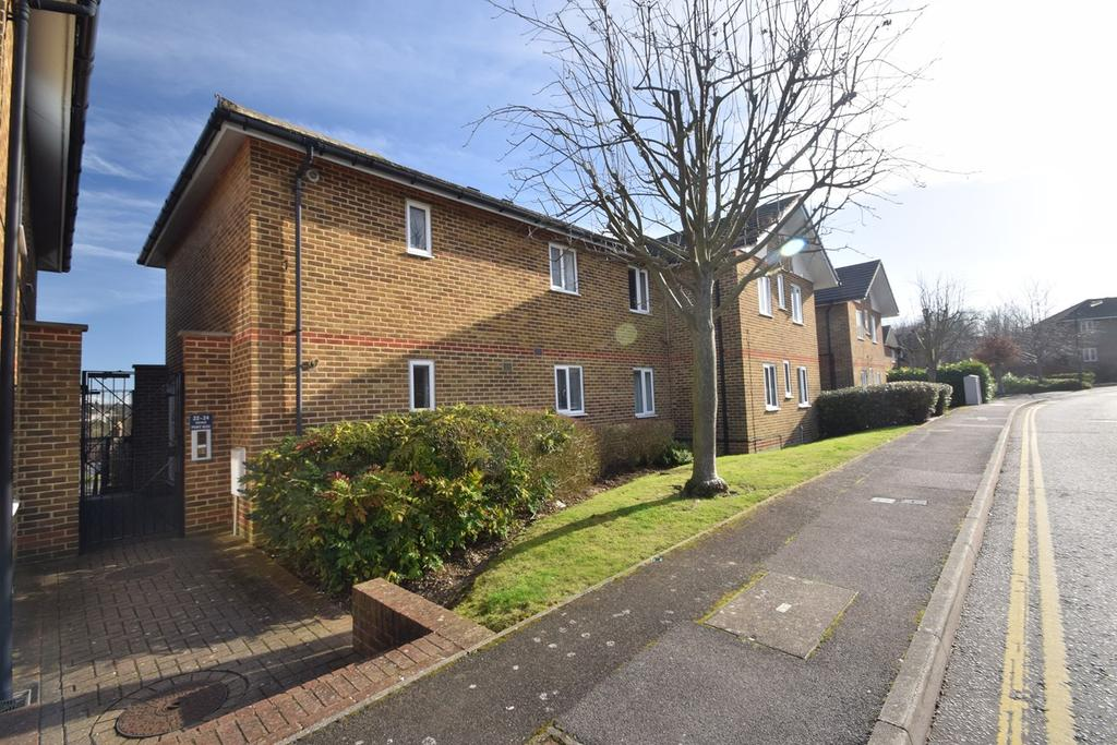 2 Bedrooms Flat for sale in Port Rise, Chatham, ME4