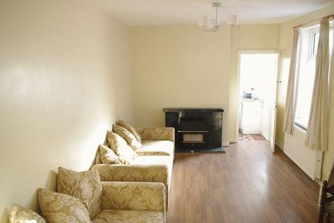 3 bedroom terraced house to rent - Penhevad Street, Cardiff