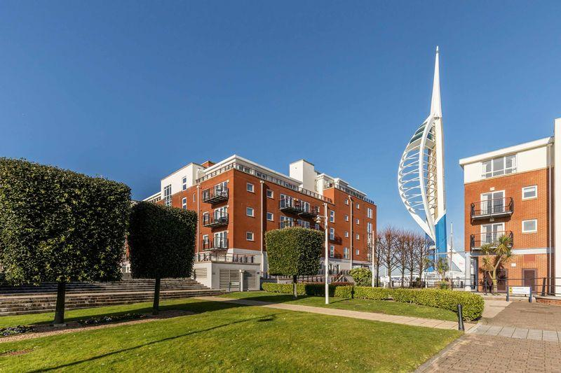2 Bedrooms Apartment Flat for sale in Gunwharf Quays, Portsmouth