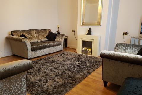 Studio to rent - Great Cambridge Road