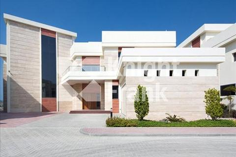 6 bedroom farm house  - Villa Frond I, Palm Jumeirah, Dubai, UAE