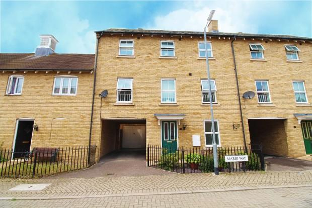 4 Bedrooms Town House for sale in Mario Way, Colchester , CO2