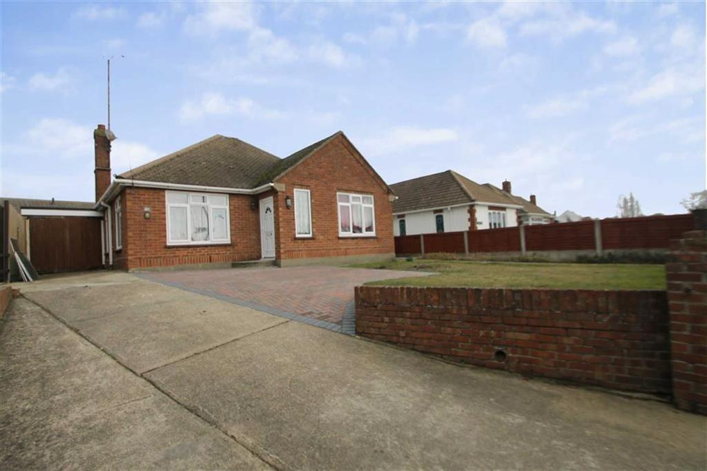 2 Bedrooms Detached Bungalow for sale in Valley Road, Clacton-on-Sea