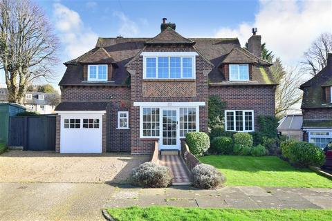 4 bedroom detached house for sale - Court Close, Patcham Village, East Sussex