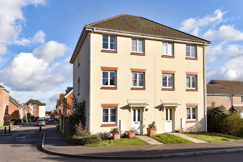 4 Bedrooms House for sale in Woodland Walk, Aldershot, GU12