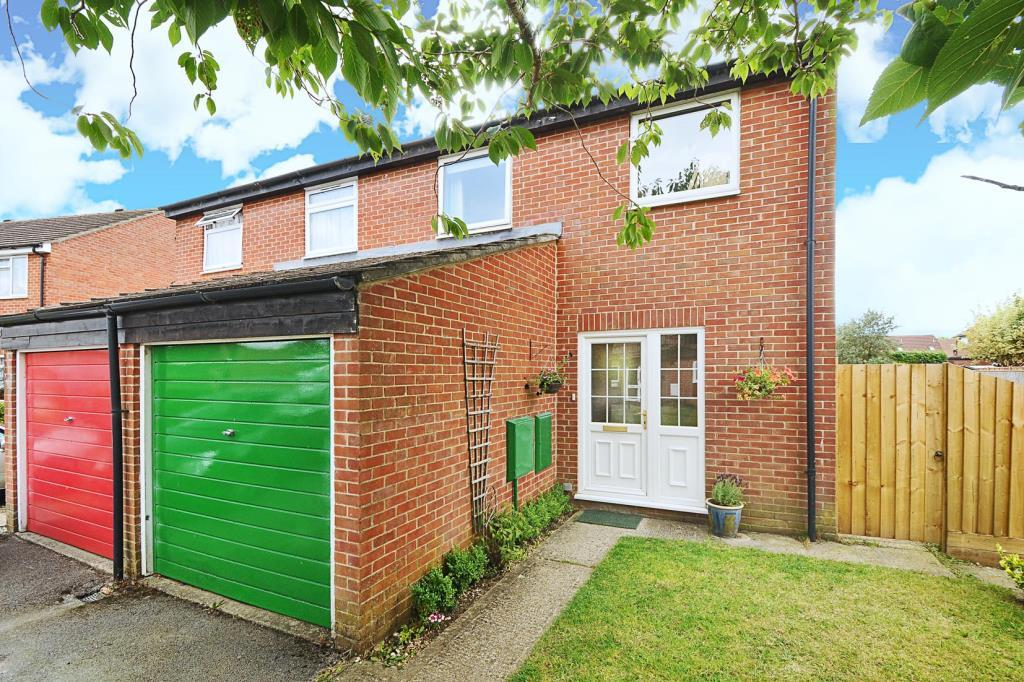 3 Bedrooms House for sale in Alston Mews, Thatcham, RG19