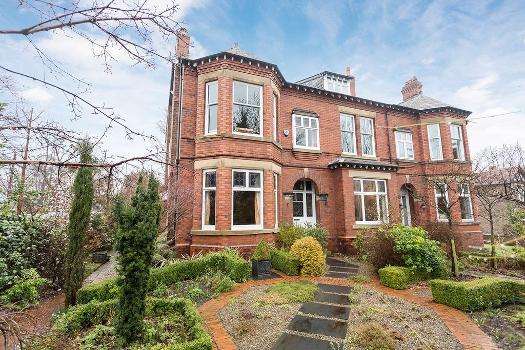 6 Bedrooms Semi Detached House for sale in Station Road, Marple