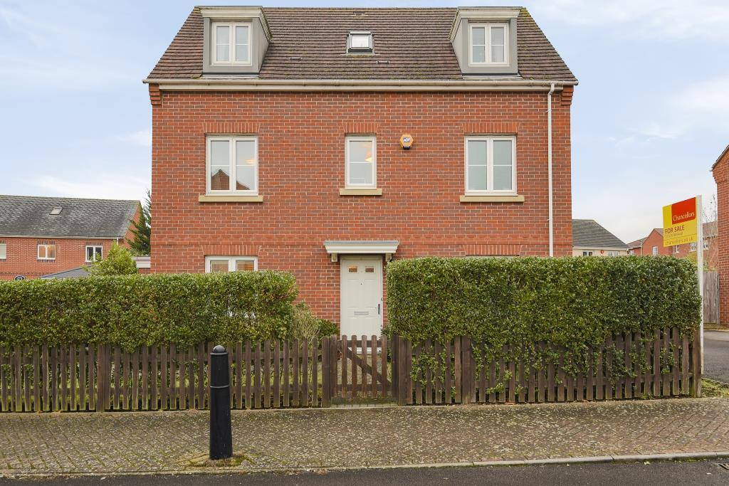 4 Bedrooms Detached House for sale in Thatcham, West Berkshire, RG19