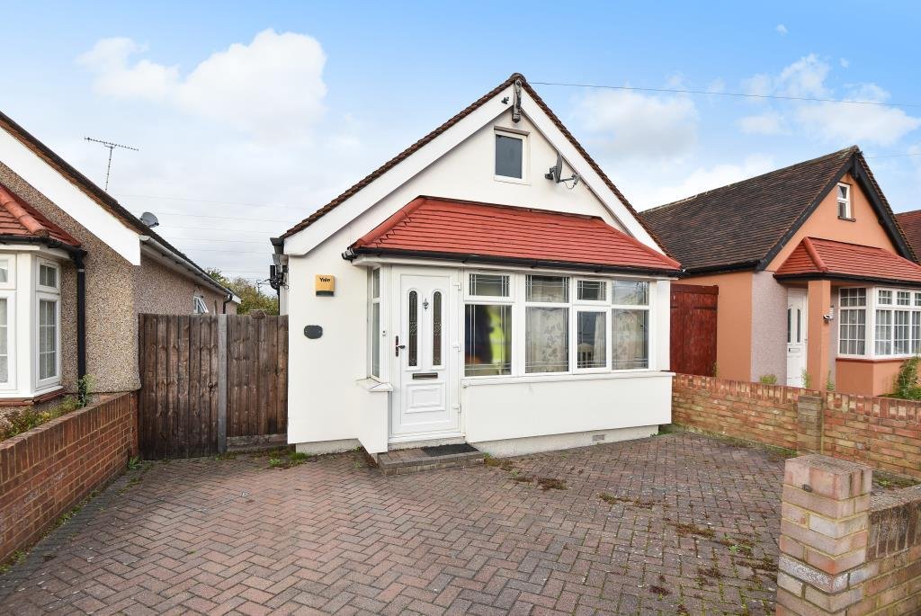 3 Bedrooms Detached Bungalow for sale in Slough, Berkshire, SL2