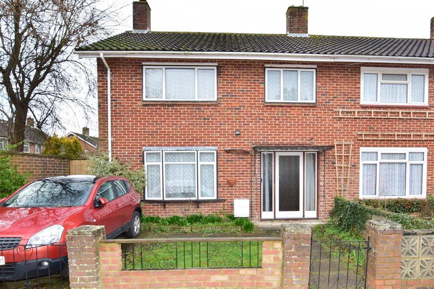 3 Bedrooms End Of Terrace House for sale in Leveret Lane, Langley Green, Crawley, West Sussex