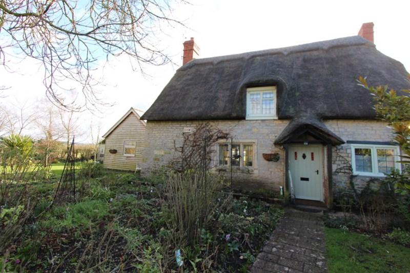 3 Bedrooms Cottage House for sale in Moorside, Marnhull, Dorset