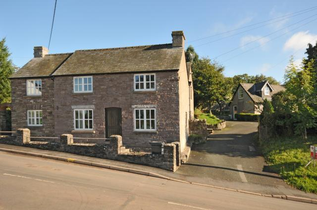 5 Bedrooms Detached House for sale in Llangorse, Brecon, LD3