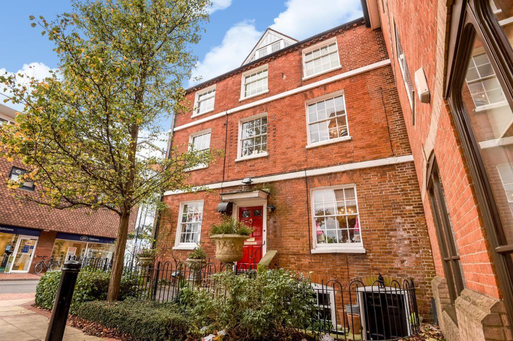 6 Bedrooms Detached House for sale in Wokingham, Berkshire, RG40
