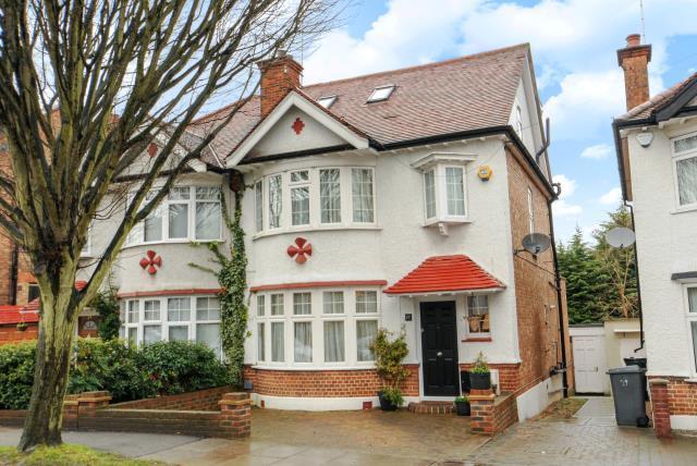 4 Bedrooms House for sale in Hemington Avenue, London, N11, Friern Barnet, London, N11, N11