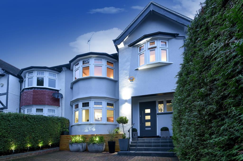 4 Bedrooms House for sale in Beechwood Avenue, Finchley N3, N3
