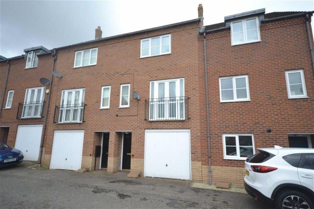 3 Bedrooms Town House for sale in Cypress Way, Camp Hill, Nuneaton