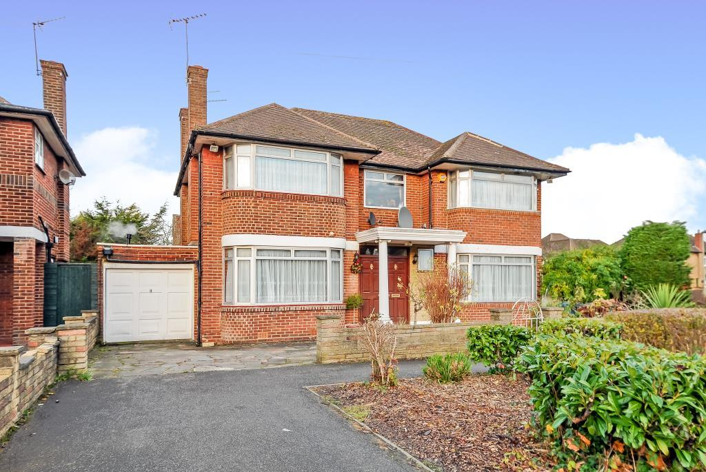 4 Bedrooms Detached House for sale in Edgware, Middlesex, HA8
