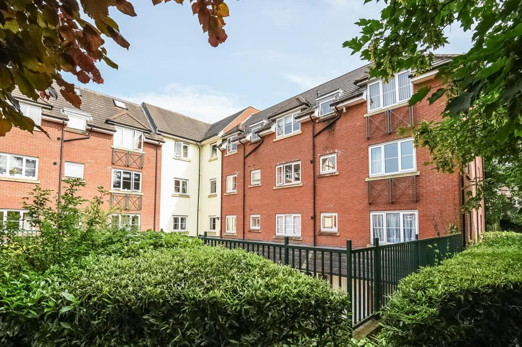 2 Bedrooms Flat for sale in Slough, Berkshire, SL1, SL1