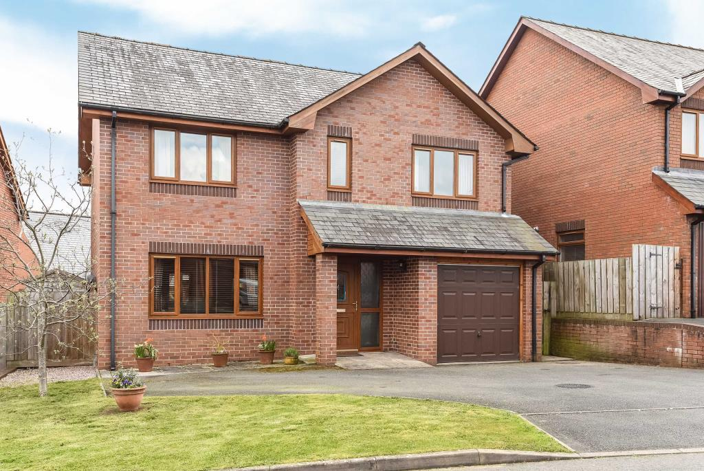 3 Bedrooms Detached House for sale in Troed Y Bryn, Builth Wells, LD2