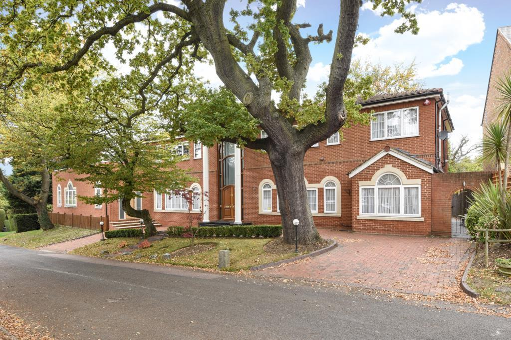 7 Bedrooms Detached House for sale in Crooked Usage, Finchley, N3, N3