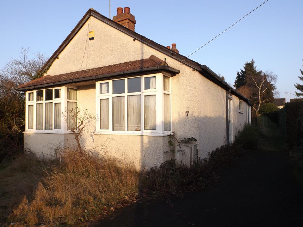 4 Bedrooms Detached Bungalow for sale in Burnham, Berkshire, SL1