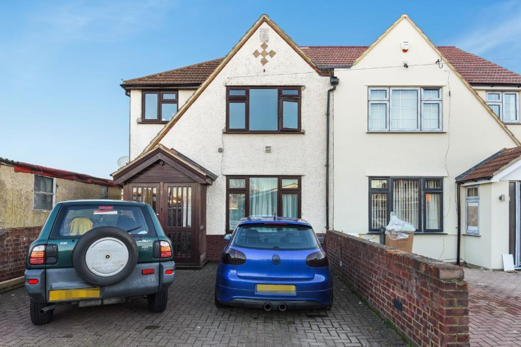 4 Bedrooms House for sale in Hinton Avenue, Hounslow, TW4