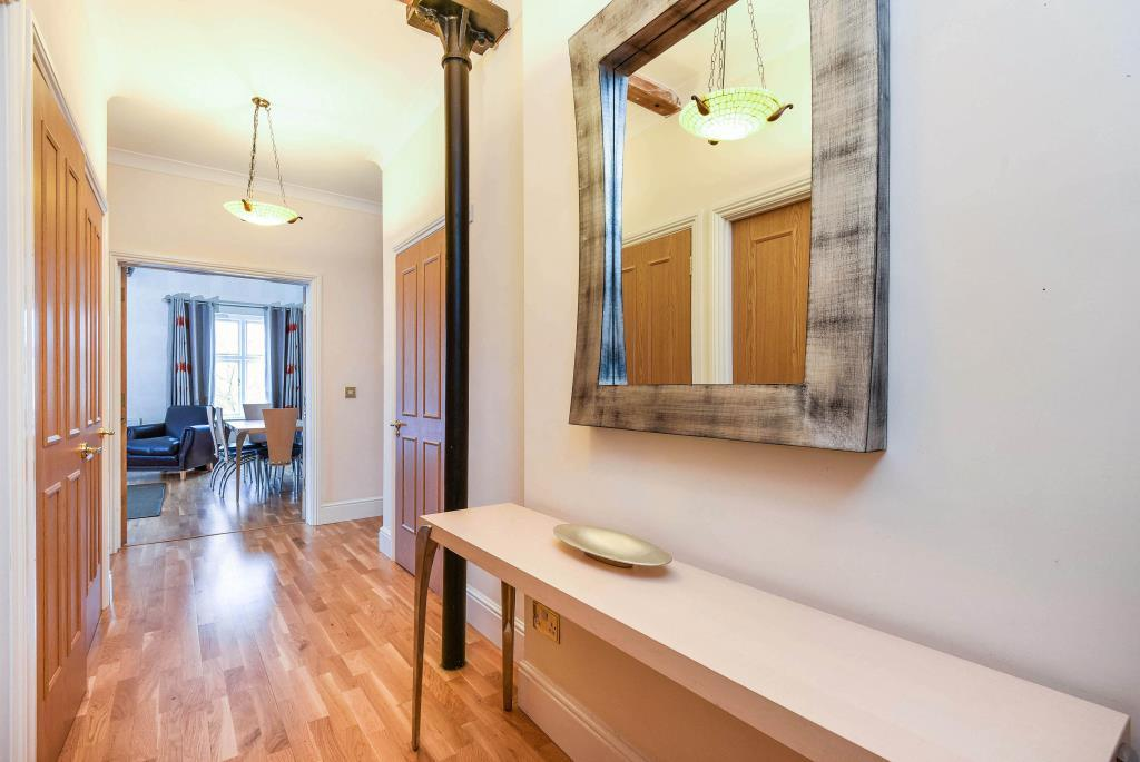 3 Bedrooms Flat for sale in Woodford Mill, Witney, OX28