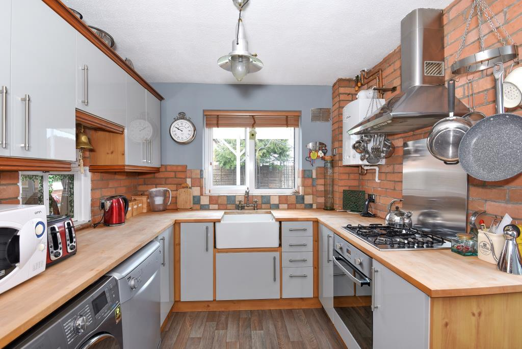 3 Bedrooms Detached House for sale in Hebdon Close, Thatcham, RG19