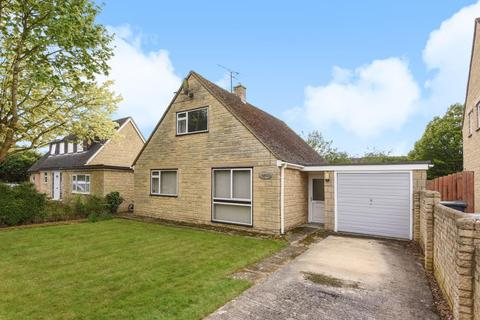 3 bedroom detached bungalow for sale - Home Close, Carterton, OX18
