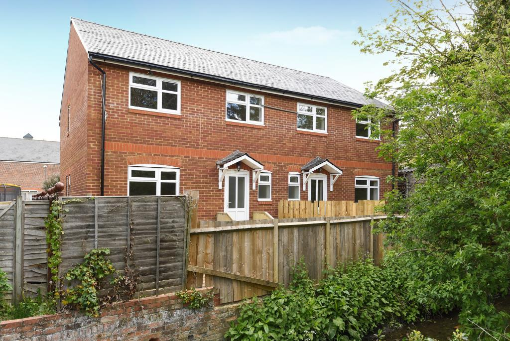 3 Bedrooms House for sale in Town Centre, Fronts The Stream, HP21