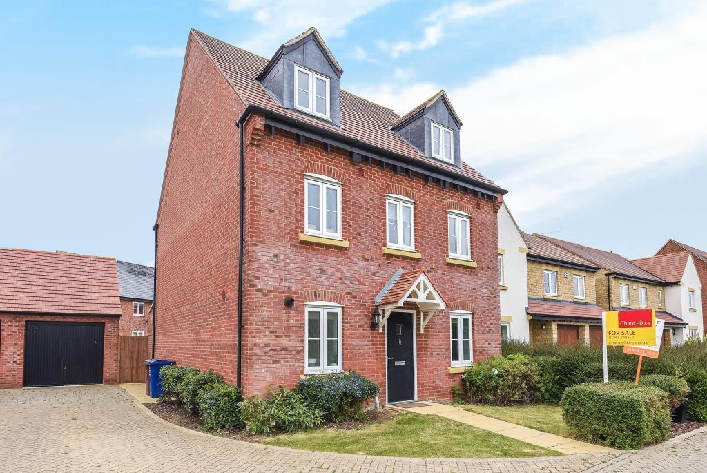 5 Bedrooms Detached House for sale in Kingsmere, Bicester, OX26