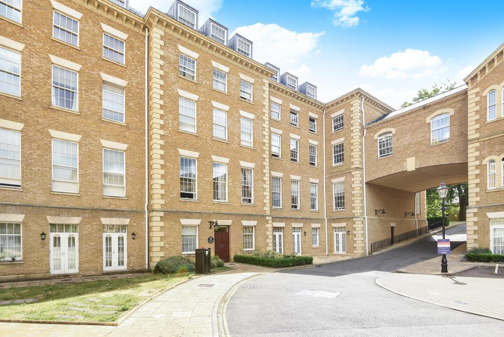 3 Bedrooms Flat for sale in Princess Park Manor East Wing, Royal Drive, London,, N11