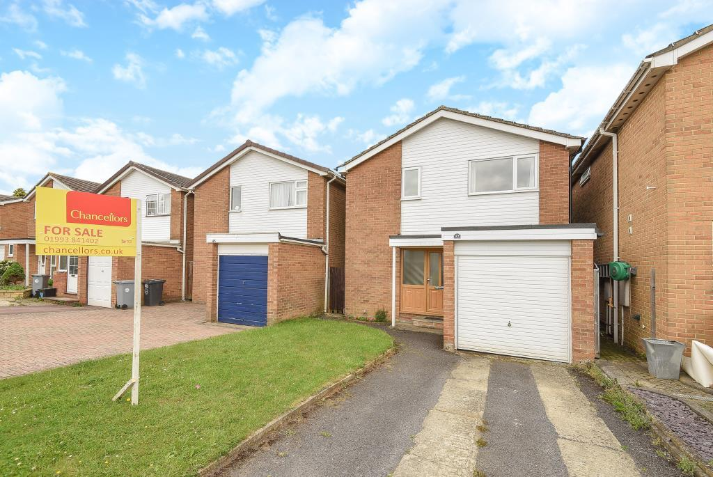 3 Bedrooms Detached House for sale in Edgeworth Drive, Carterton, OX18
