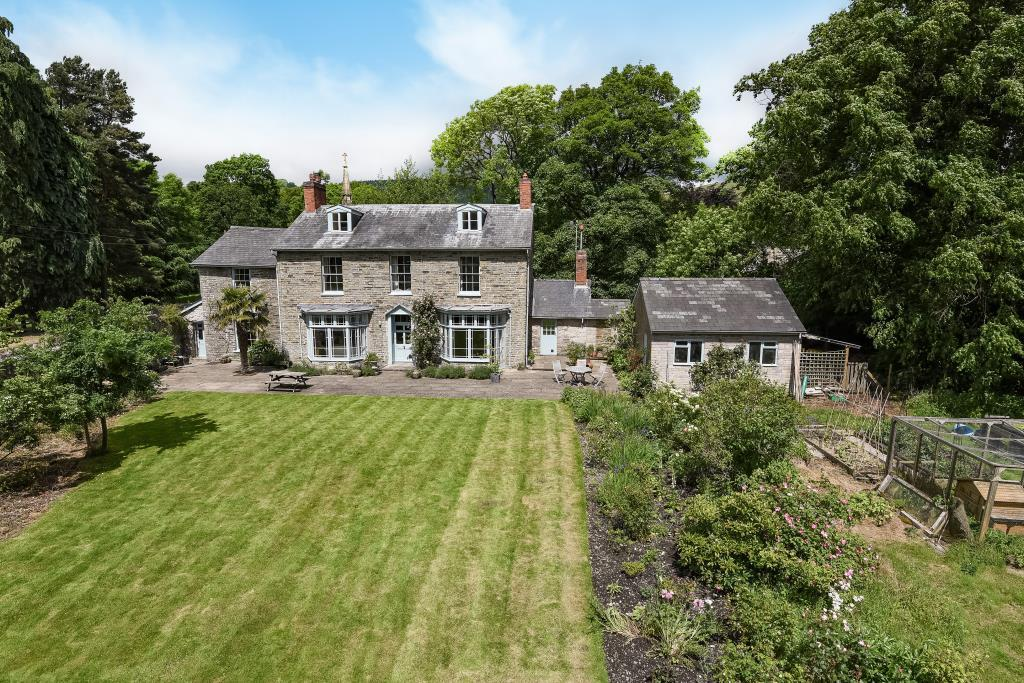 5 Bedrooms Detached House for sale in New Radnor, Powys, LD8