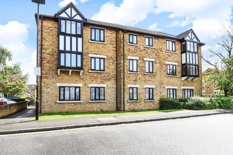 2 bedroom flat for sale - Charleston Close, Feltham, TW13