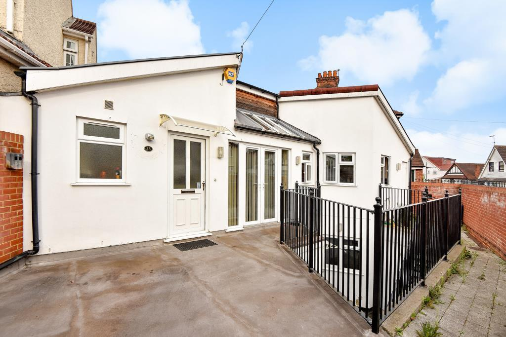 3 Bedrooms Detached House for sale in Slough, Berkshire, SL1