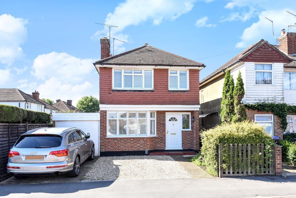 3 Bedrooms Detached House for sale in Old Woking, Surrey, GU22