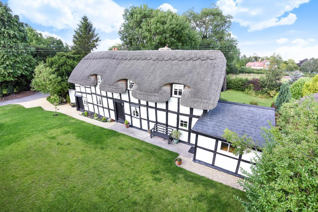3 Bedrooms Cottage House for sale in Eardisland, Herefordshire, HR6